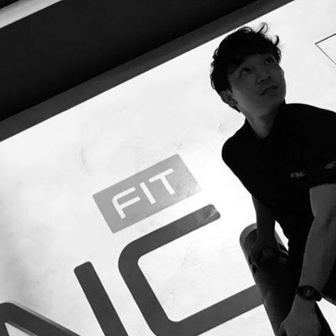 パーソナルトレーナー 依田太一がトレーニングしているところ