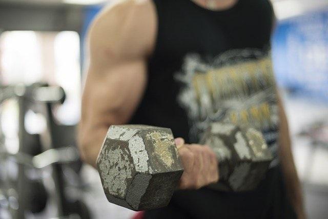 【筋肉を大きくする!】筋トレのネガティブトレーニングの方法と効果を紹介